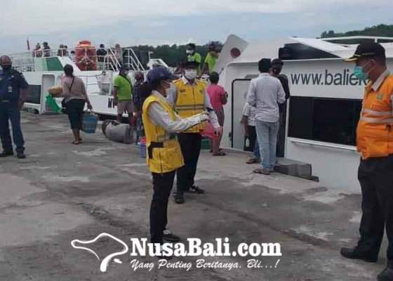 Nusabali.com - dermaga-rakyat-padangbai-sepi-penumpang