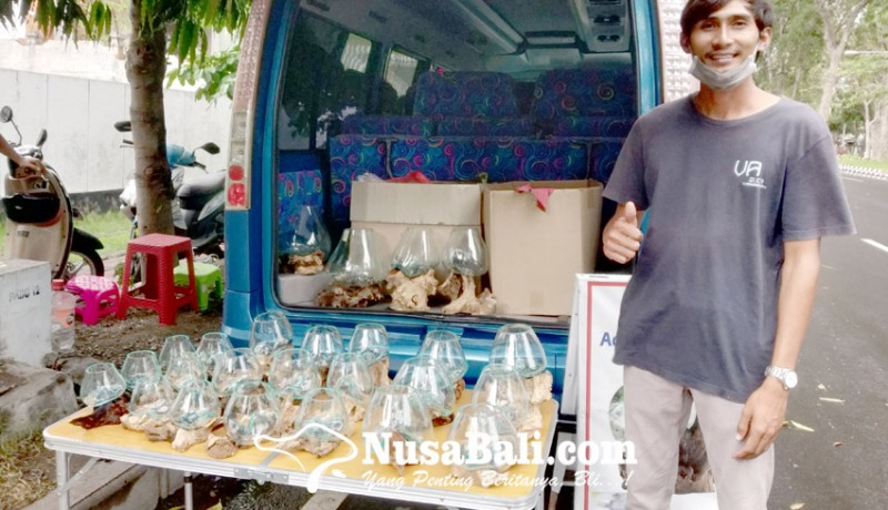 www.nusabali.com-sempat-tren-di-awal-pandemi-bisnis-kaca-tiup-kini-lesu