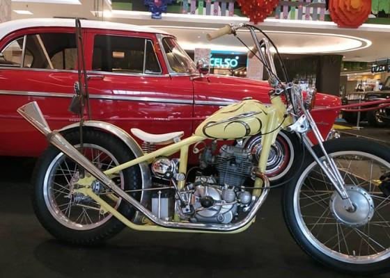 Nusabali.com - komunitas-motor-antik-besi-tua-pamerkan-koleksi-motornya