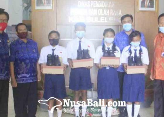 Nusabali.com - 330-siswa-dapat-sepatu-gratis