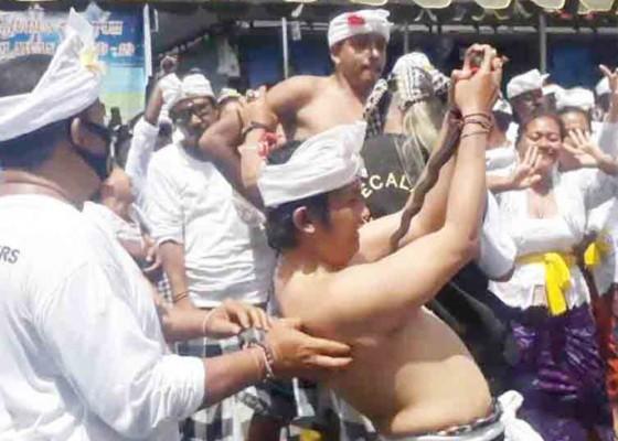 Nusabali.com - desa-adat-kuta-gelar-nangluk-merana-di-tengah-pandemi