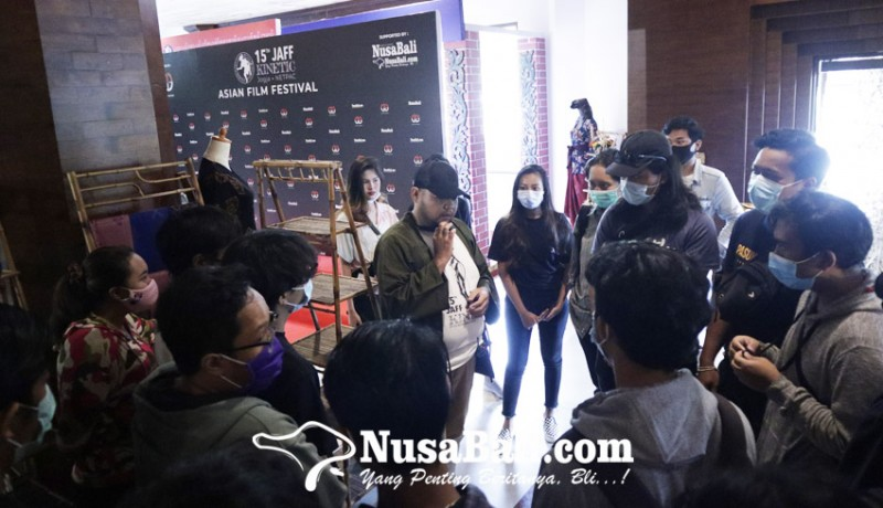 www.nusabali.com-mahasiswa-bali-antusias-sambut-jaff-2020-rasakan-suasana-bioskop-lagi