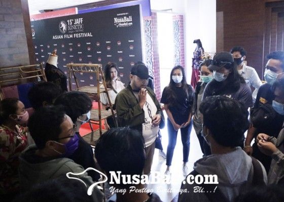 Nusabali.com - mahasiswa-bali-antusias-sambut-jaff-2020-rasakan-suasana-bioskop-lagi