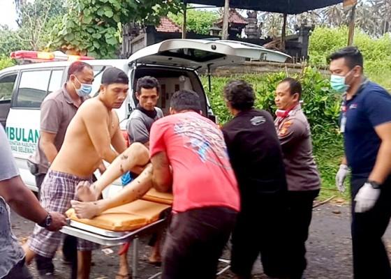 Nusabali.com - sekeluarga-terseret-di-arus-pantai-balian-1-tewas-3-selamat