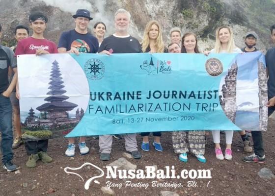 Nusabali.com - jurnalis-ukraina-tinjau-pariwisata-bali