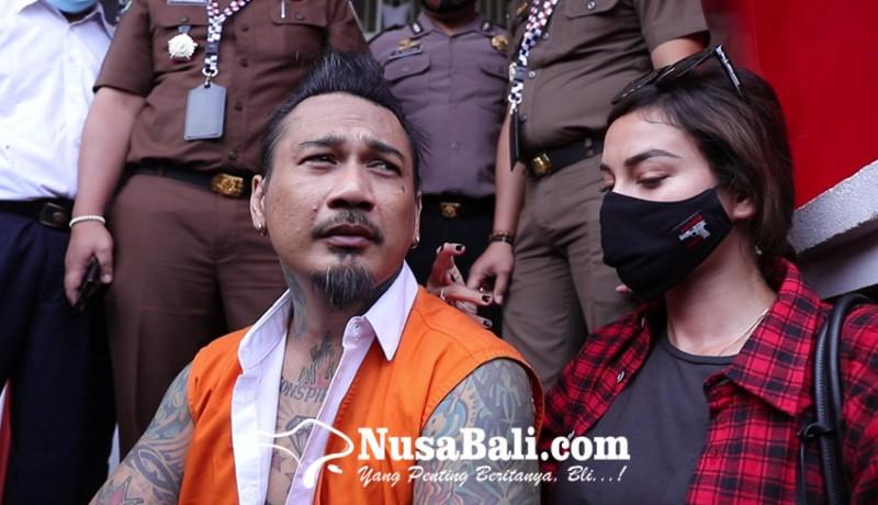 www.nusabali.com-jerinx-ingin-diskusi-dengan-jpu-nora-maafkan-pengancam-pembunuhan