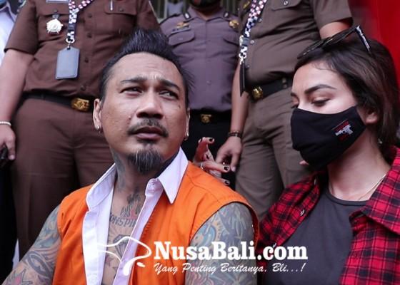 Nusabali.com - jerinx-ingin-diskusi-dengan-jpu-nora-maafkan-pengancam-pembunuhan