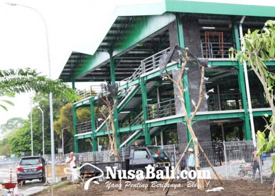 Nusabali.com - pembangunan-areal-parkir-motor-bertingkat-di-bandara-rampung