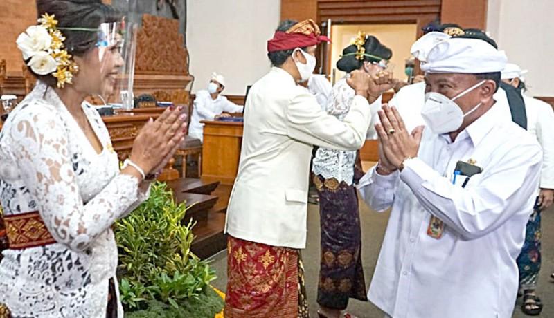 www.nusabali.com-dua-srikandi-dilantik-jadi-paw-anggota-dprd-denpasar