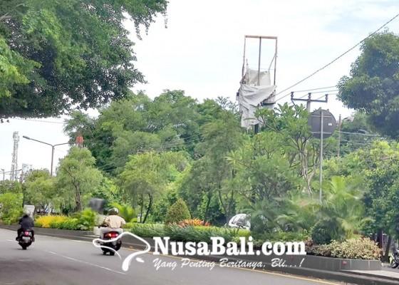 Nusabali.com - papan-reklame-usang