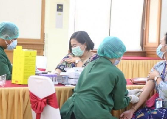 Nusabali.com - 17-orang-reaktif-pelayanan-normal