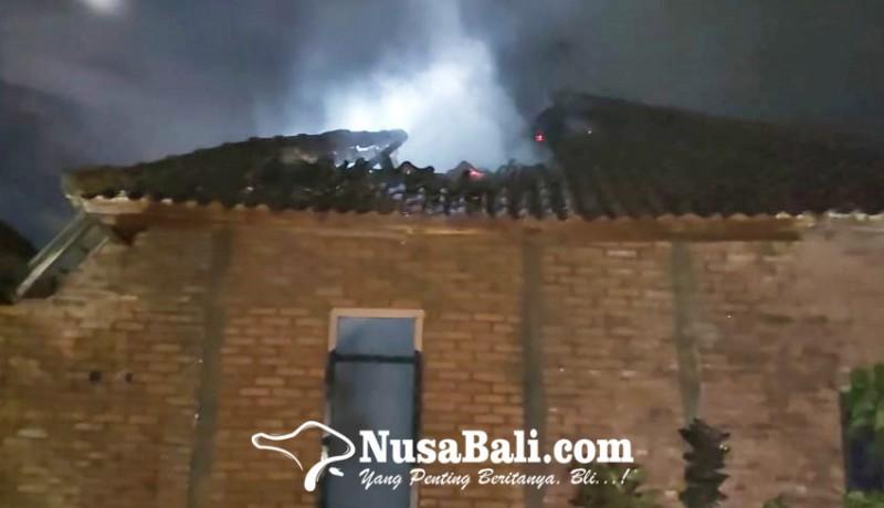 www.nusabali.com-ditinggal-sembahyang-rumah-terbakar
