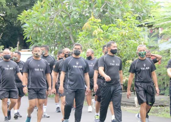 Nusabali.com - prajurit-kodam-ixudayana-harus-jadi-panutan