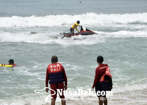 Nusabali.com - diklat-di-kuta-basarnas-selamatkan-korban-tenggelam-pakai-jetski