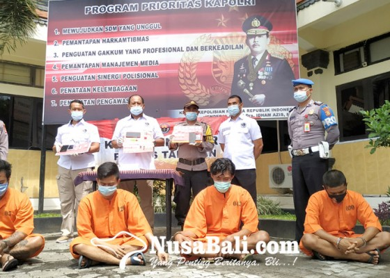Nusabali.com - bawa-shabu-dua-pegawai-toko-modern-diringkus