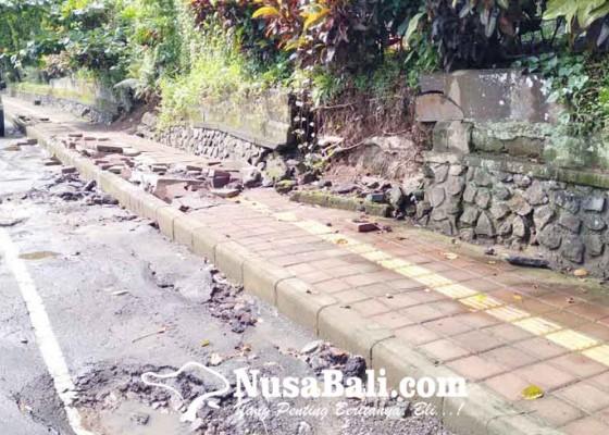 Nusabali.com - pupr-bangli-dan-bpbd-beda-pendapat