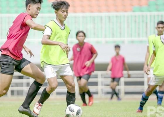 Nusabali.com - pemain-muda-bali-united-wujudkan-mimpi-ke-inggris
