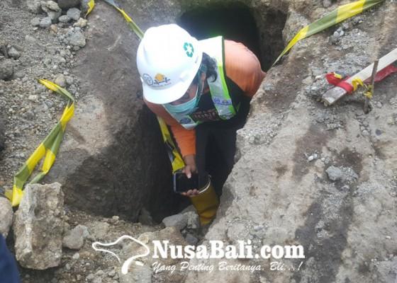 Nusabali.com - mengagetkan-ditemukan-terowongan-di-proyek-bendungan-tamblang