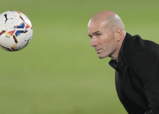 Nusabali.com - madrid-goyah-pemain-ingin-zidane-dipecat