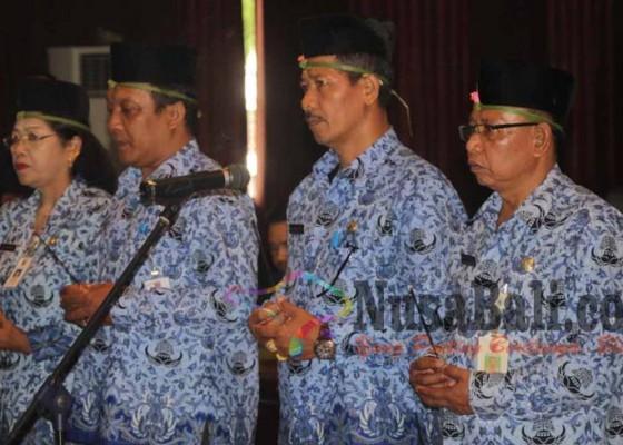 Nusabali.com - kasatpol-pp-karangasem-mendadak-dimutasi
