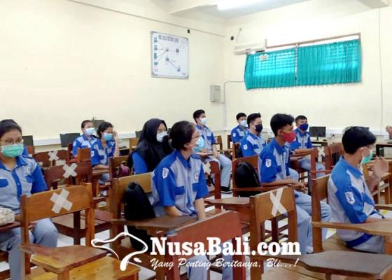 Nusabali.com - smkn-3-singaraja-gelar-simulasi-pembelajaran-tatap-muka