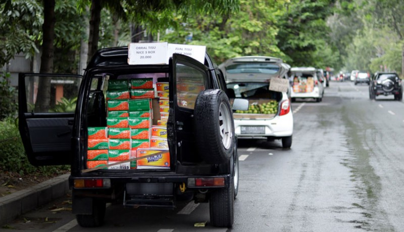 www.nusabali.com-ekonomi-surut-ruas-jalan-kota-denpasar-menjadi-lapak-dagang