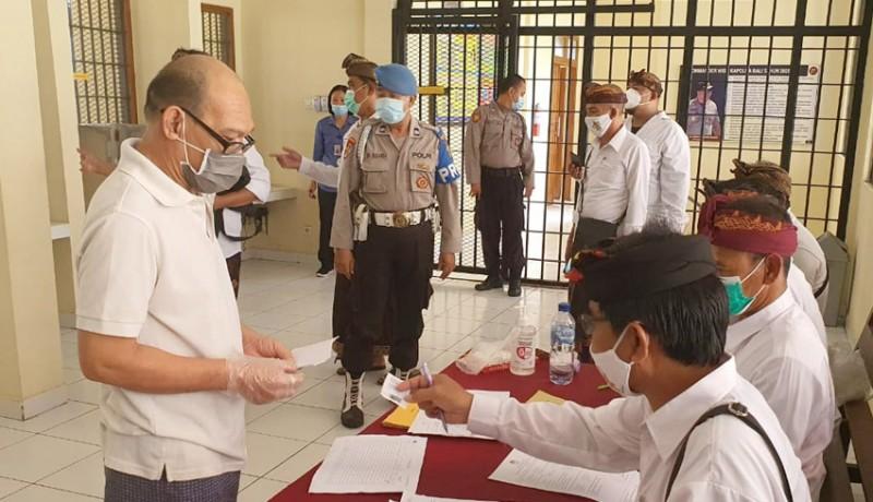 www.nusabali.com-24-tahanan-ikut-nyoblos-di-rutan-polresta-denpasar