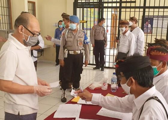 Nusabali.com - 24-tahanan-ikut-nyoblos-di-rutan-polresta-denpasar