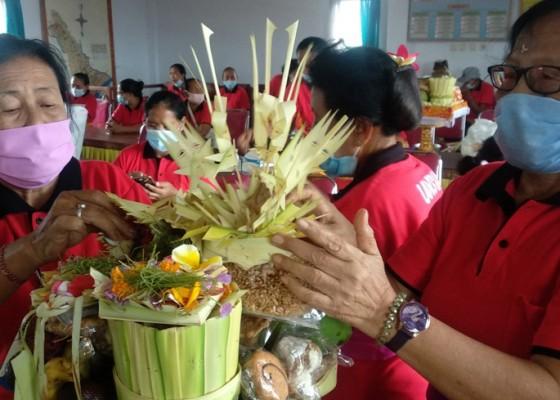 Nusabali.com - desa-lebih-berdayakan-lansia-lewat-lomba