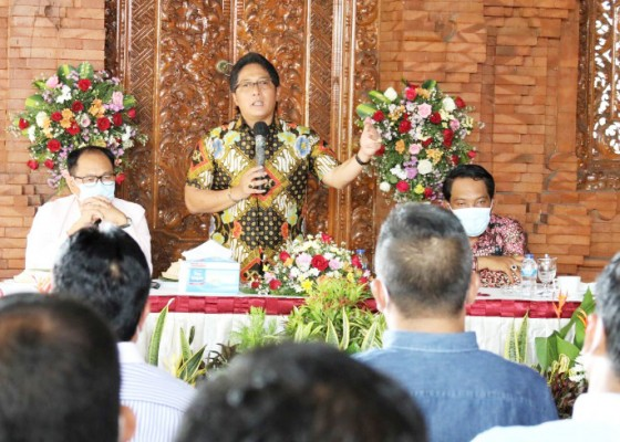 Nusabali.com - bupati-giri-prasta-komitmen-lanjutkan-program-untuk-kebahagiaan-masyarakat-badung