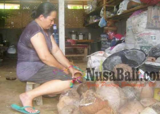Nusabali.com - pembuat-lengis-tanusan-terancam-istirahat
