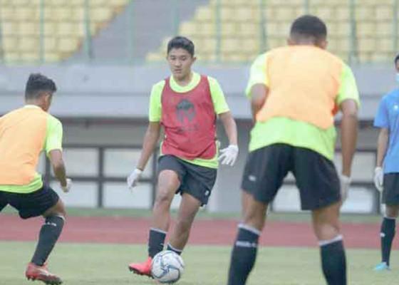 Nusabali.com - tampil-impresif-bima-sakti-puji-pemain-bali-united-16