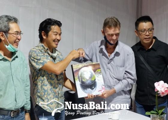 Nusabali.com - wolfgang-widmoser-gelar-pameran-tunggal-bertajuk-mirror-symphony