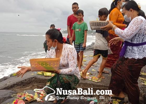 Nusabali.com - bantu-pamedek-nunas-toya-segara-ada-yang-dapat-rp-500000