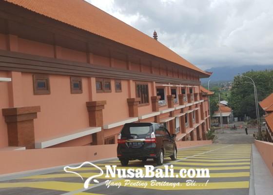 Nusabali.com - proyek-revitalisasi-pasar-banyuasri-singaraja-tuntas-100-persen
