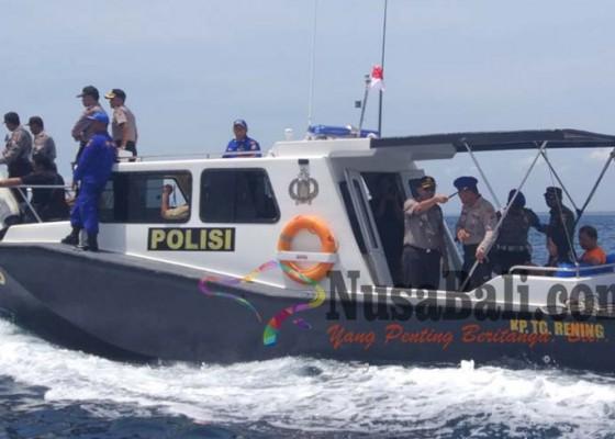 Nusabali.com - enam-anggota-densus-88-siaga-di-gilimanuk