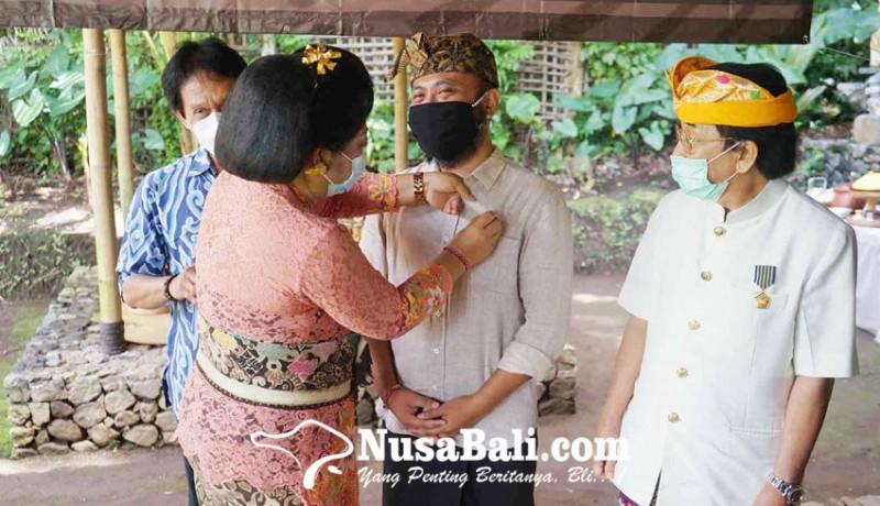 www.nusabali.com-pendiri-samsara-living-dan-gede-yudana-raih-anugerah-kebudayaan-nasional