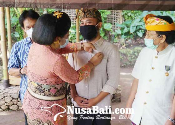 Nusabali.com - pendiri-samsara-living-dan-gede-yudana-raih-anugerah-kebudayaan-nasional