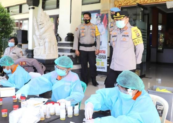 Nusabali.com - ratusan-anggota-polres-tabanan-tes-urine