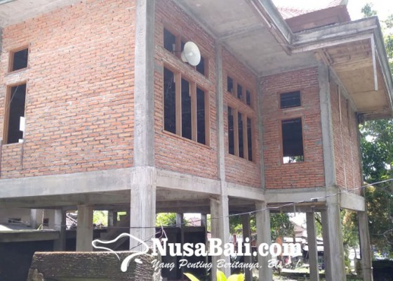Nusabali.com - pembangunan-kantor-desa-tamanbali-mangkrak