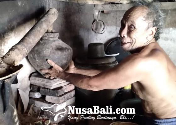 Nusabali.com - hujan-hadang-produksi-arak-bali