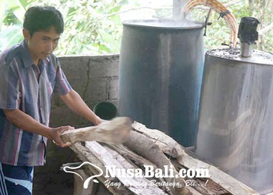 Nusabali.com - jelang-tahun-baru-pesanan-arak-meningkat