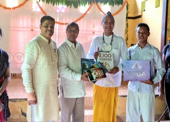 Nusabali.com - konjen-india-kunjungi-ashram-gandhi-puri