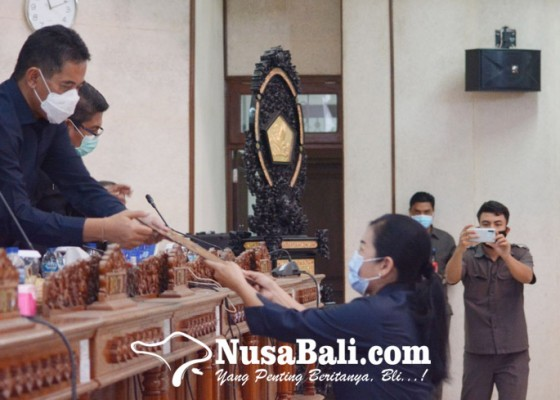 Nusabali.com - dprd-setujui-3-ranperda-jadi-perda