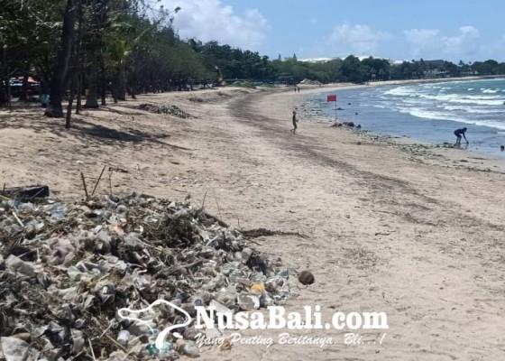 Nusabali.com - 10-hari-dinas-lhk-evakuasi-80-ton-sampah-di-pantai-barat