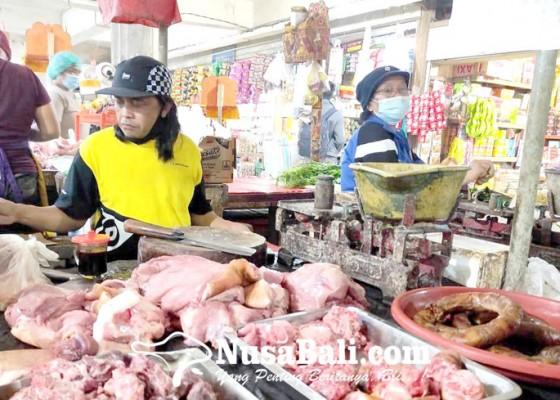 Nusabali.com - harga-daging-babi-tembus-rp-90-ribu