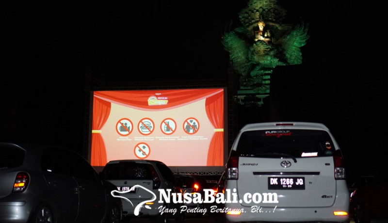www.nusabali.com-drive-in-senja-pengalaman-baru-menonton-film-dari-dalam-mobil