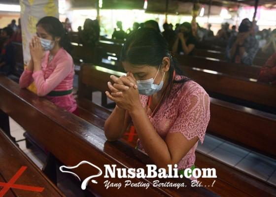 Nusabali.com - ibadah-misa-natal-dibatasi-anak-anak-dan-lansia-ikuti-secara-virtual