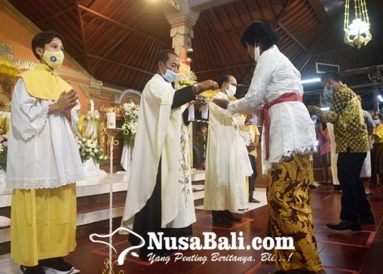 Nusabali.com - misa-natal-di-gereja-paroki-tritunggal-mahakudus