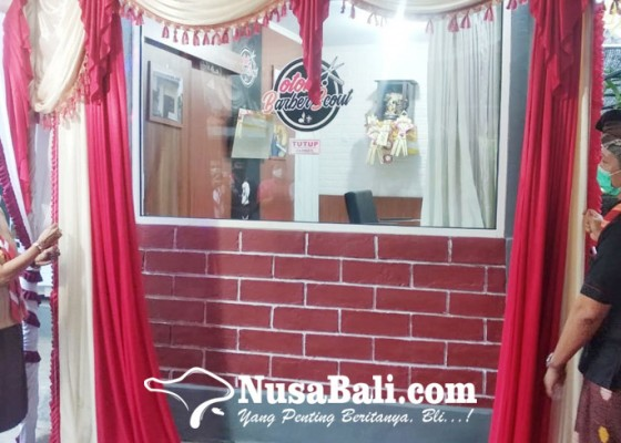 Nusabali.com - pramuka-bedah-kios-cukur-jadi-barberscout